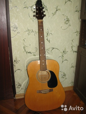 Продаю гитару с прекрасным звучанием вестерн верхняя дека: ель; нижняя дека и обечайка: агатис; гриф: нато