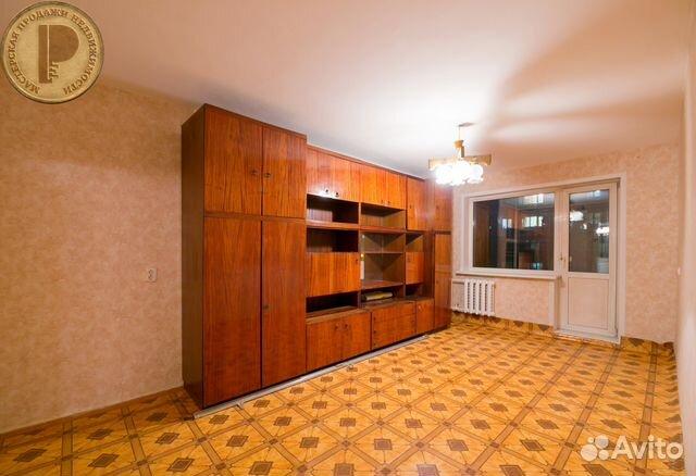 Продается двухкомнатная квартира за 2 600 000 рублей. Красноярск, улица Крупской, 7.