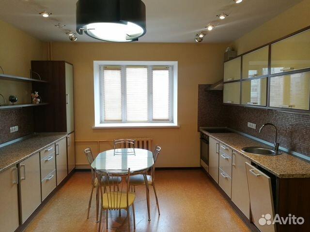 Продается трехкомнатная квартира за 8 380 000 рублей. г Казань, пр-кт Ямашева, д 102А.