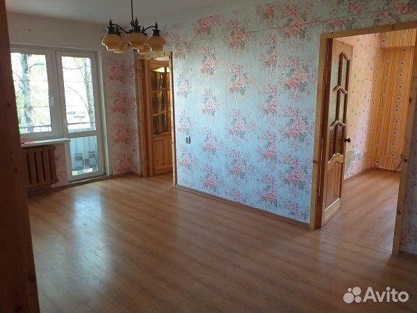 Продается трехкомнатная квартира за 1 850 000 рублей. г Великий Новгород, пр-кт Мира, д 40 к 4.