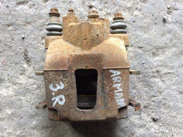 89026196331 Суппорт задний правый Nissan Armada VK56DE