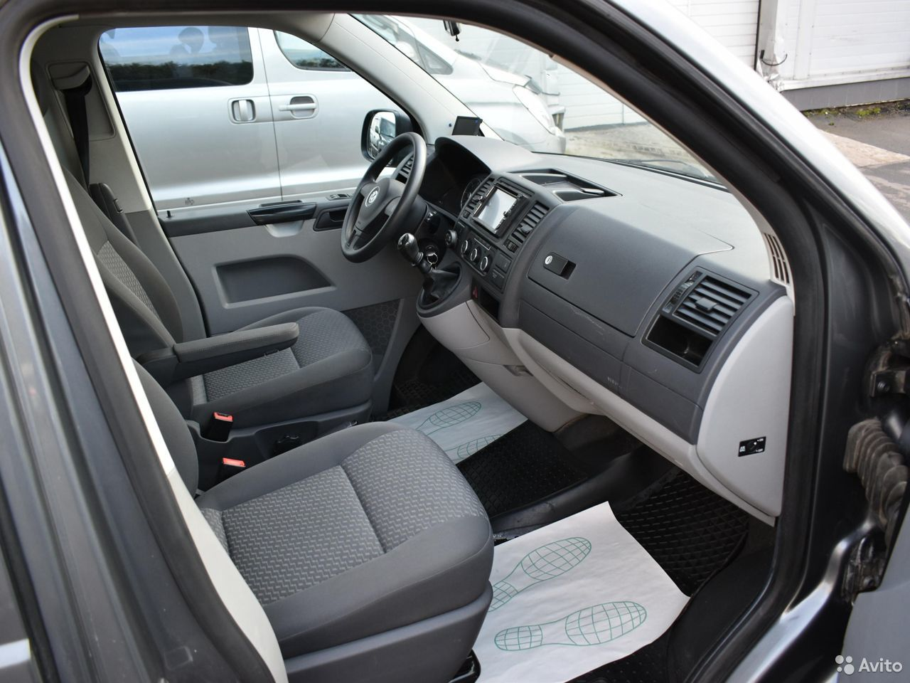 Volkswagen Caravelle, 2012  88182448027 купить 10