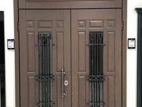 Дверь в коттедж