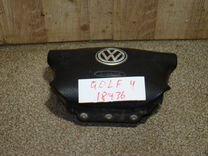 Подушка безопасности в руль VW Golf 4